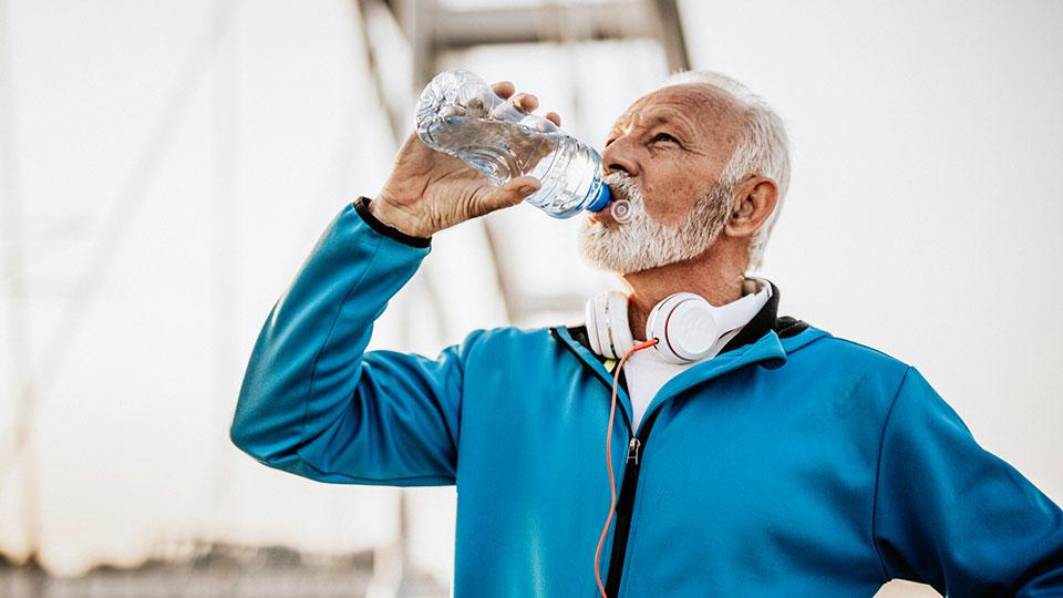 Sind isotonische Getränke beim Sport sinnvoll?